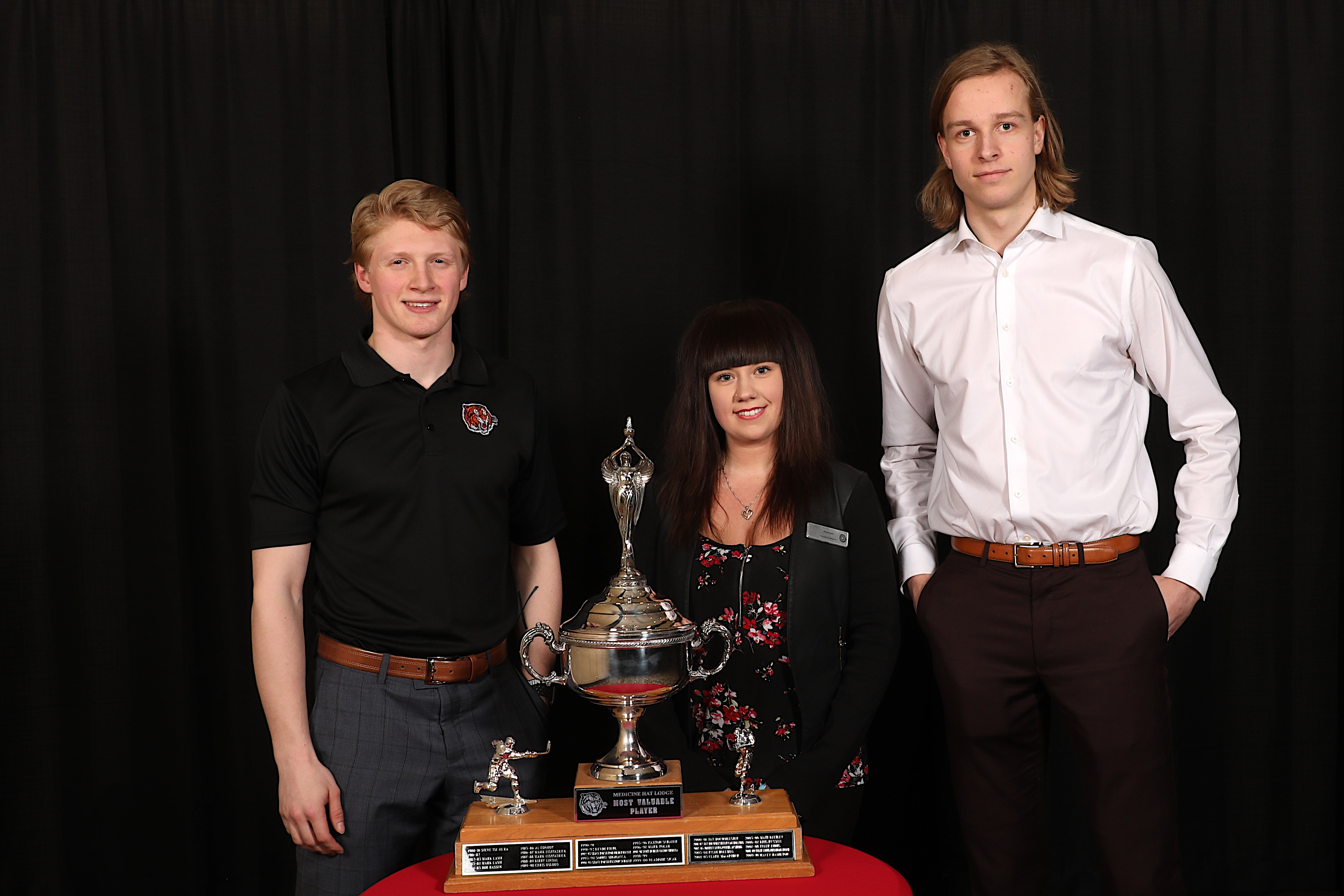 Stephanie Fraser of the Medicine Hat Lodge presented the Medicine Hat Lodge Most Valuable Player to Mads Søgaard & James Hamblin