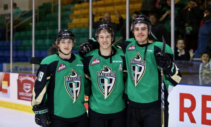 Left to right: Ozzy Wiesblatt, Parker Kelly, and Justin Nachbaur scored goals 16 seconds apart in WHL Opening Week 2018. Photo: Lucas Chudleigh/Apollo Multimedia